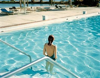 Обязательна ли справка для посещения бассейна