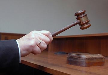 Ходатайство о переносе рассмотрения дела по причине привлечения к участию в деле представителя. Бланк и образец 2020 года