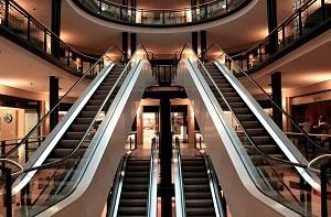 За какие недостатки товара отвечает продавец, а за какие - потребитель?