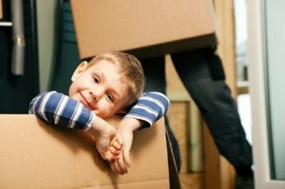 Как выписать из квартиры несовершеннолетнего?