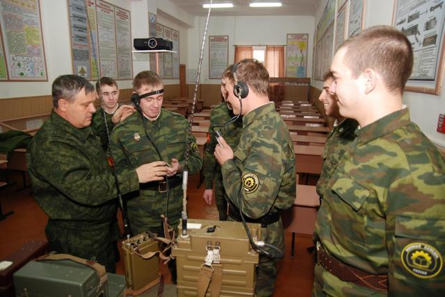 Чем отличается военная кафедра от учебного военного центра?
