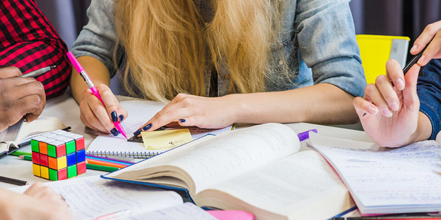Каков порядок проведения государственной итоговой аттестации в форме ЕГЭ для учащихся 11 классов?