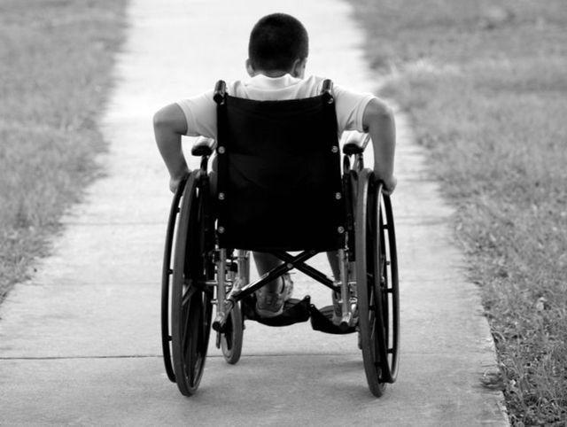 Какие пособия полагаются родителям детей-инвалидов?
