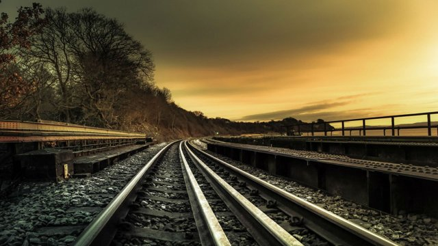 Что грозит за нарушение правил проезда железнодорожного переезда