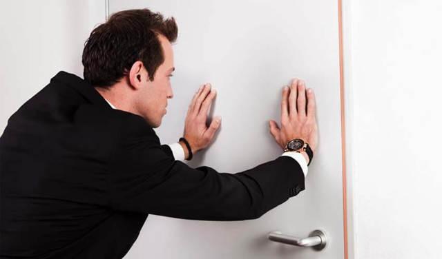 Как выписать жильца из квартиры без его согласия?