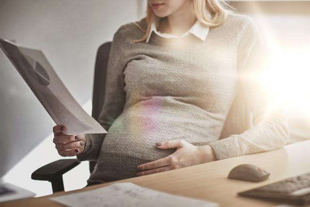 Как зарегистрировать рождение ребенка от суррогатной матери?