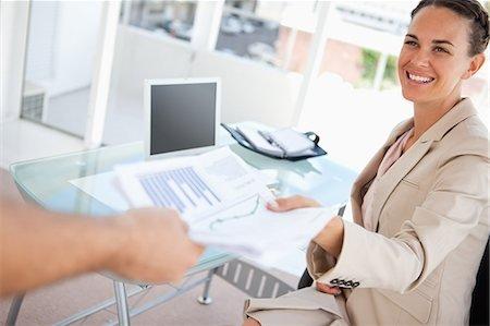 Доверенность на получение документов. Образец заполнения и бланк 2020 года