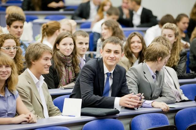 Как заключить договор на оказание образовательных услуг с родителями в пользу студента?