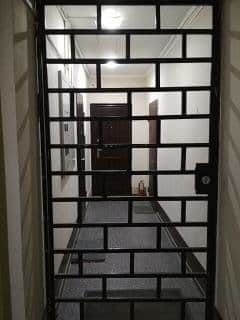 Как установить перегородку в общем коридоре многоквартирного дома?