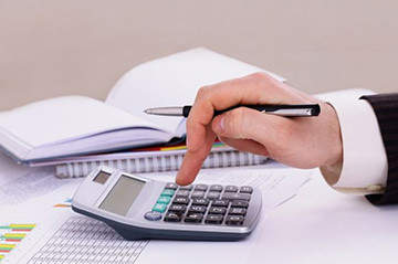Какие выплаты полагаются работнику при увольнении по собственному желанию?