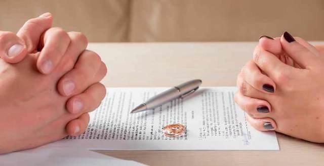 Исковое заявление о признании брачного договора недействительным. Образец заполнения и бланк 2020 года