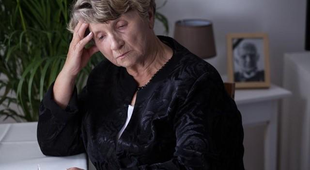 Кому и как выплачивается пенсия и доплаты к ней после смерти пенсионера?
