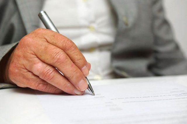 Исковое заявление о разделе лицевого счета. Образец заполнения и бланк 2020 года