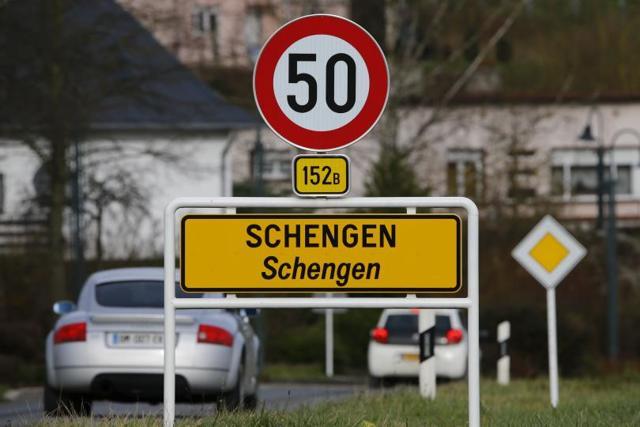 Влияет ли выдача туристической шенгенской визы в одной стране на въезд и пребывание в другой стране зоны